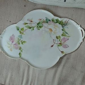 PRETTY H.P ARTIST SIGNED DECO SHAPED DRESSER TRAY